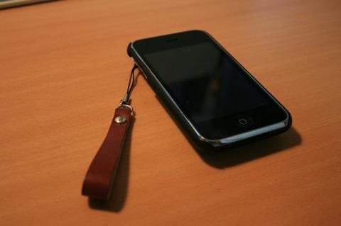 iPhoneとストラップ