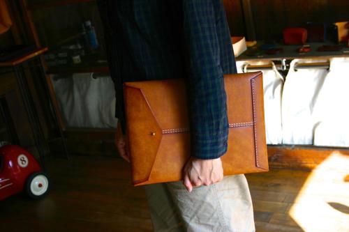 写真:革封筒(プエブロ)